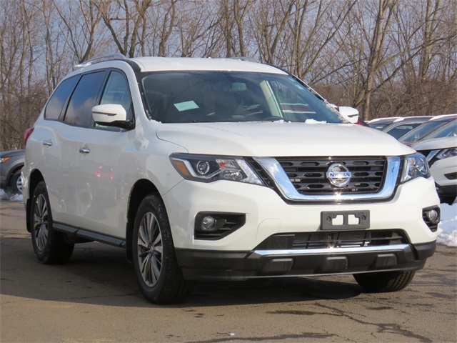 New 2019 Nissan Pathfinder SV
